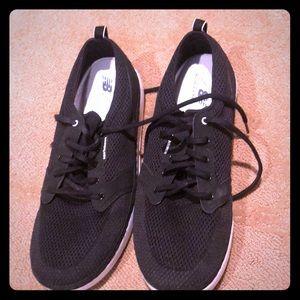 New balance walking shoes